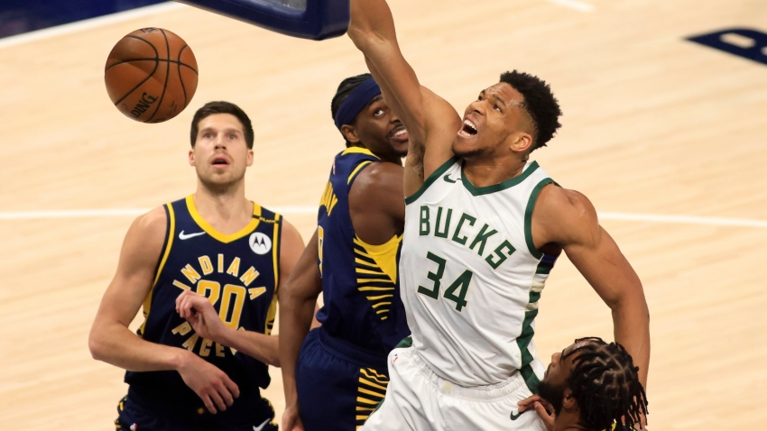 Giannis dominates in Bucks win over Pacers, 76ers miss top spot chance again