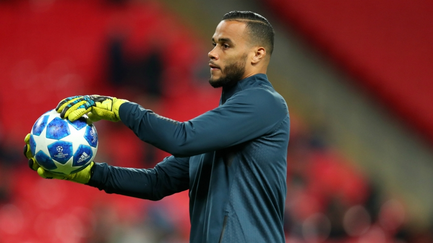 Former Tottenham and Netherlands goalkeeper Vorm retires
