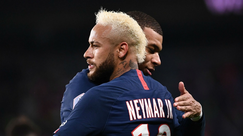 Favre wary of 10 PSG players, not just returning Neymar