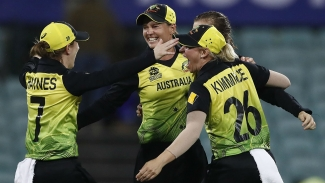 Australia beat the rain and South Africa to seal T20 World Cup spot