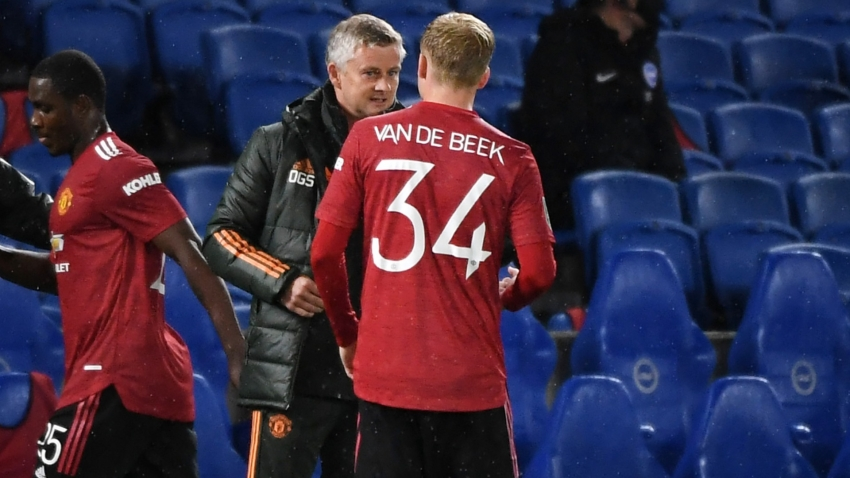 Solskjaer hints at alternative role for 'clever mover' Van de Beek
