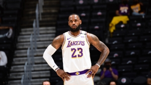 Lakers star LeBron James to be 'smart' over injured ankle