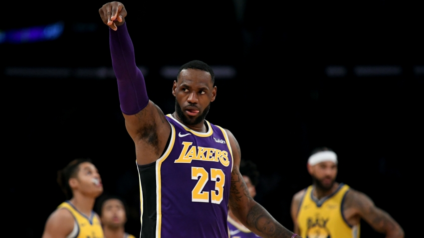 LeBron's Lakers roll on against struggling Warriors, Harden upstages Kawhi