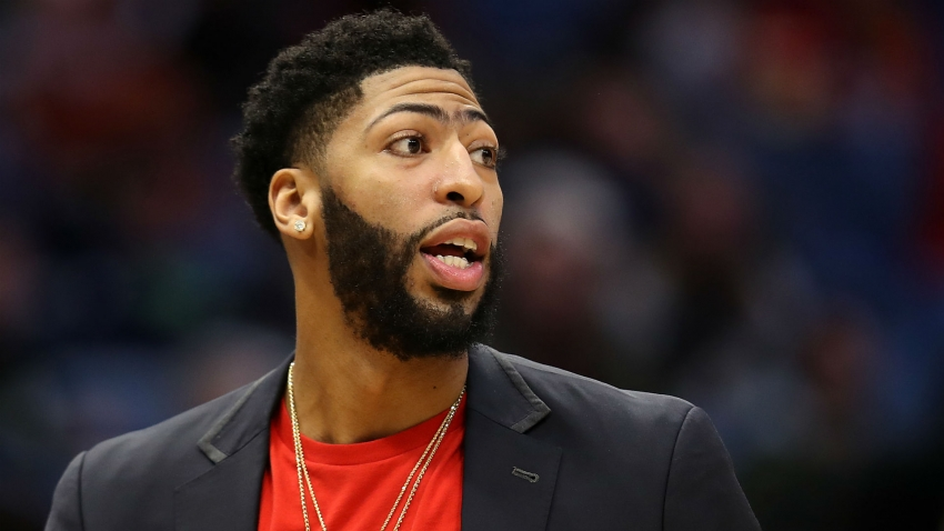 Lakers' Anthony Davis would 'definitely consider' Bulls move