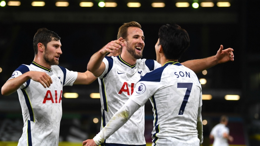 Premier League data dive: Tottenham take top spot as Fernandes ends wait for Man Utd home win