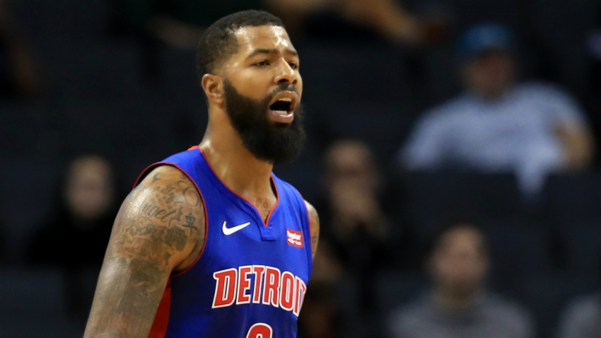 Los Angeles Lakers sign Markieff Morris