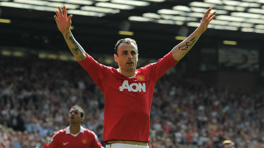 Former Manchester United and Tottenham star Berbatov retires from football