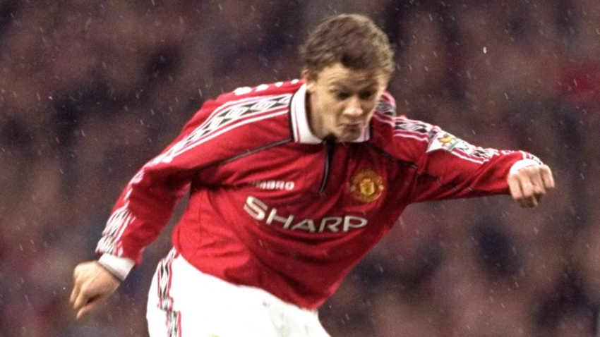 Solskjaer tells Man Utd squad to match hunger of treble heroes