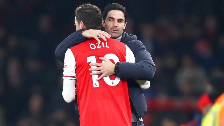 Arteta's 'conscience is calm' after leaving Ozil out of Premier League squad