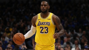 LeBron, Davis lead Lakers as Russell stars in another Warriors loss
