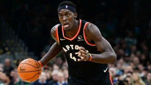 Raptors end Lakers' streak, Giannis stars for Bucks