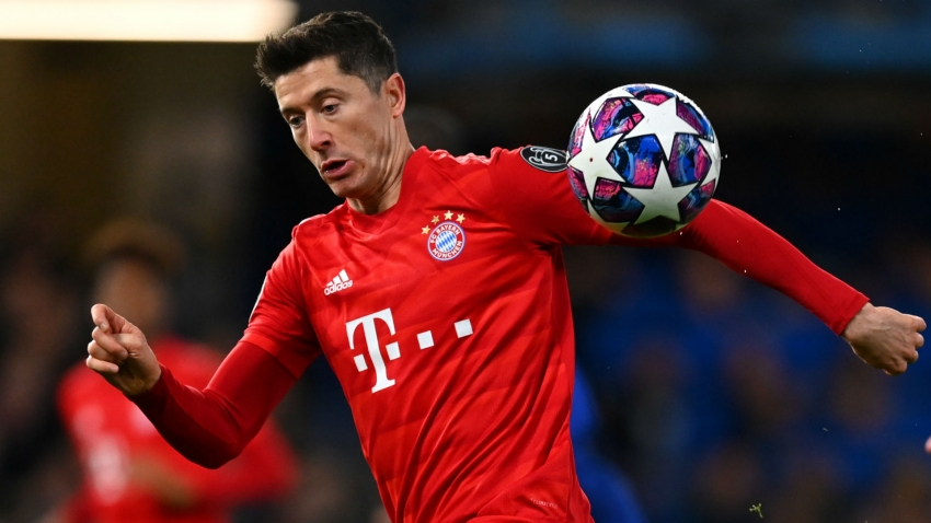 Bayern dealt blow as Lewandowski suffers knee injury