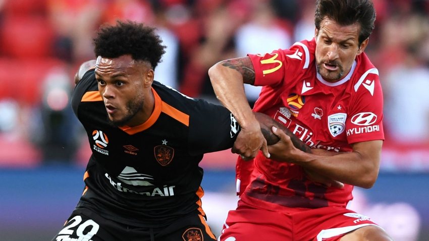 A-League Review: Adelaide outlast struggling Roar as Victory battle to Phoenix draw