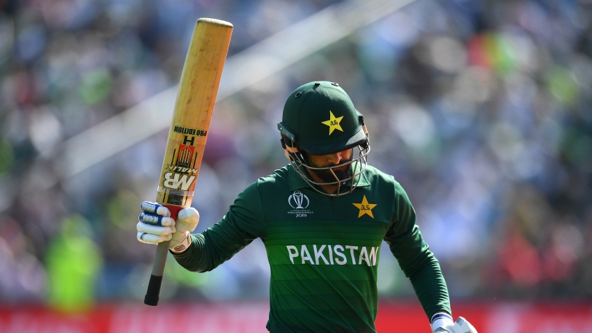 Pakistan all-rounder Mohammad Hafeez to self-isolate after bio-security protocol breach
