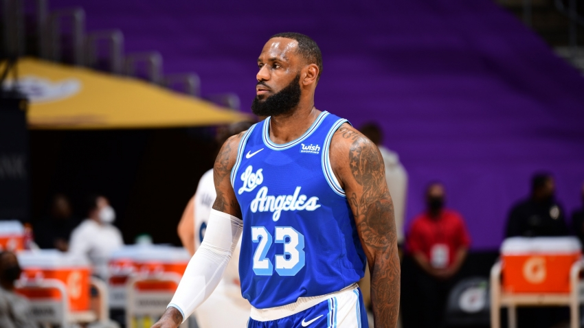 Lakers' LeBron James could return against Pacers