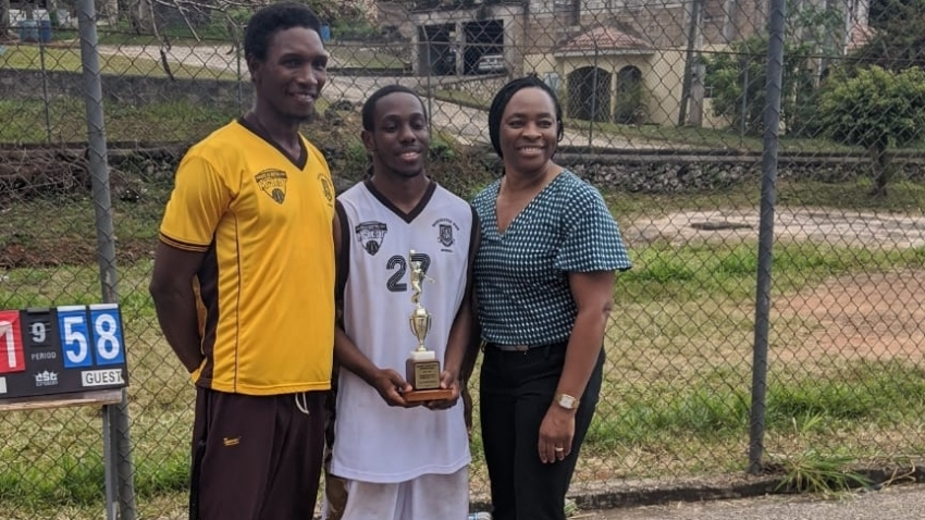 'Genius' basketball player wins full scholarship to Yale