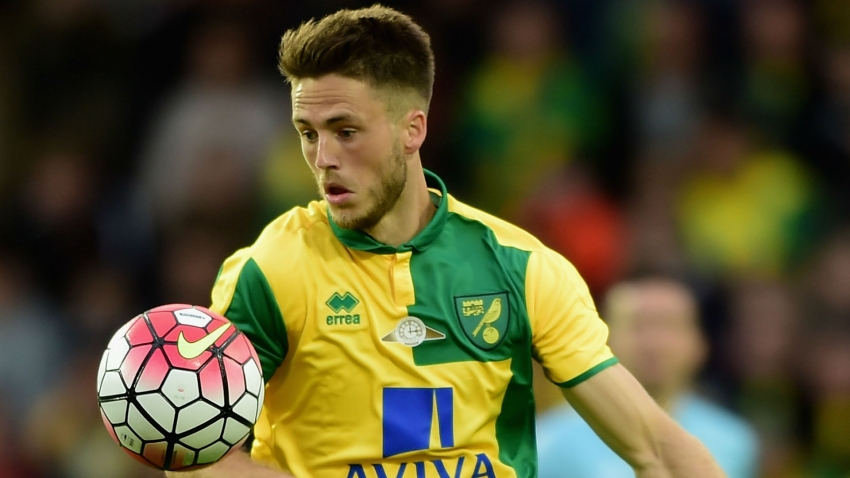 Van Wolfswinkel to have treatment on aneurysm discovered after Champions League concussion