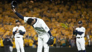 Mariners fans honour 'King Felix' Hernandez in emotional final start
