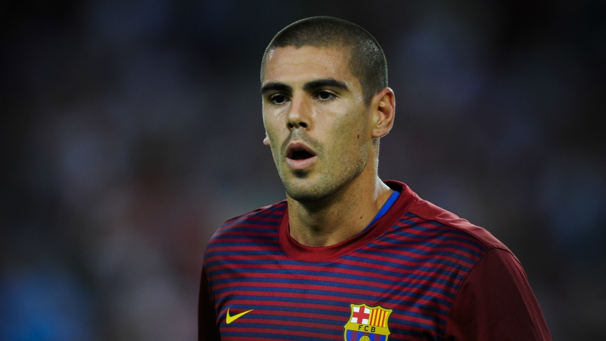 Valdes back at Barcelona as under-19 coach