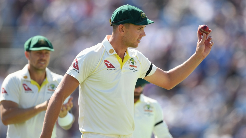 Ashes 2019: Australia build on sizeable advantage after more batting blues for England